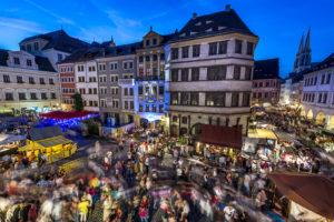Jahresrückblick 2015 Altstadtfest 2015 am 29.08.2015 in Goerlitz/Zgorzelec. Untermarkt am Samstag Abend, Besucher Massen beim Fest. //Foto: Pawel Sosnowski